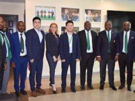 Wang ZIHANG, del Banco Chino de Desarrollo (CDB) junto a miembros y directivos de Banco Nacional de Guinea Ecuatorial(BANGE)